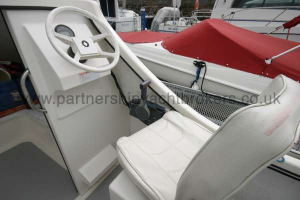 Seahawk Sportsboats 17 Helm position -