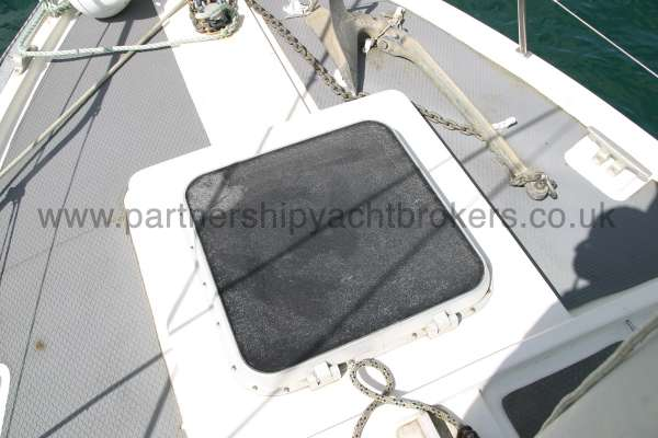 Fisher 25 The fore hatch -