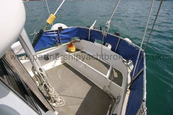 Fisher 25 The after deck -