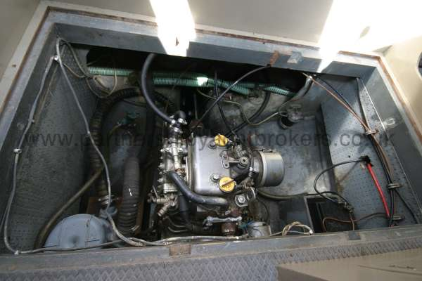 Fisher 25 The engine compartment - excellent access