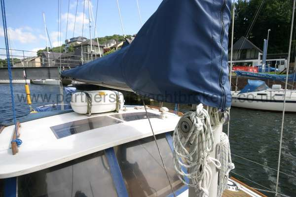 Meridian 31 The main sail cover -