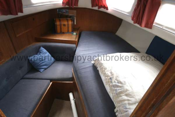 Meridian 31 The aft cabin -