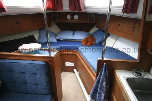 Meridian 31 The saloon -