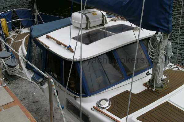 Meridian 31 The wheel house shelter -