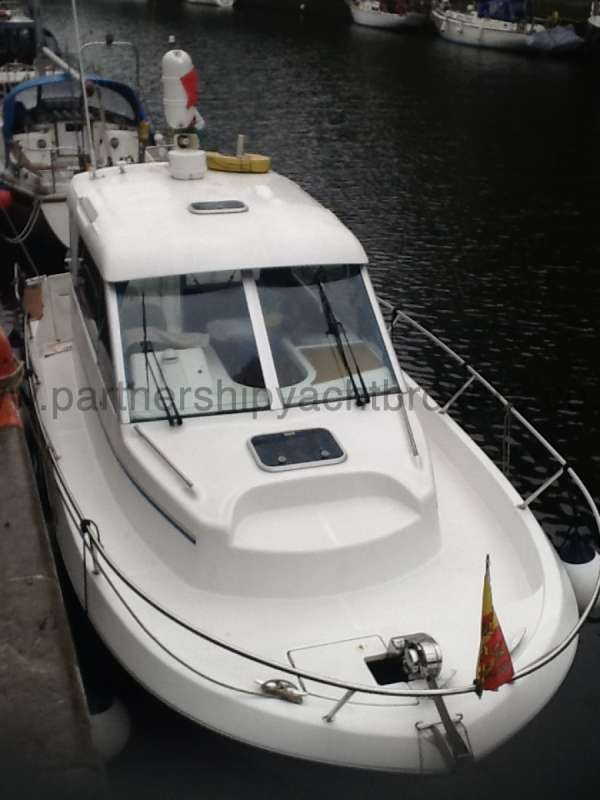 Beneteau Antares 760 Fore deck view -