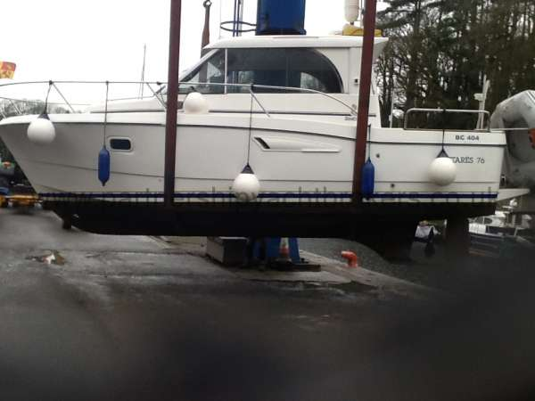 Beneteau Antares 760 In the slings for launching -