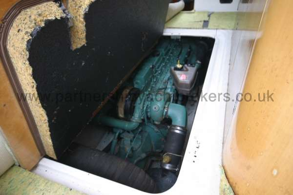 Beneteau Antares 760 The engine compartment -