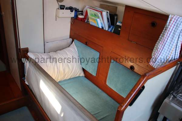 Twister 28 Starboard saloon berth -