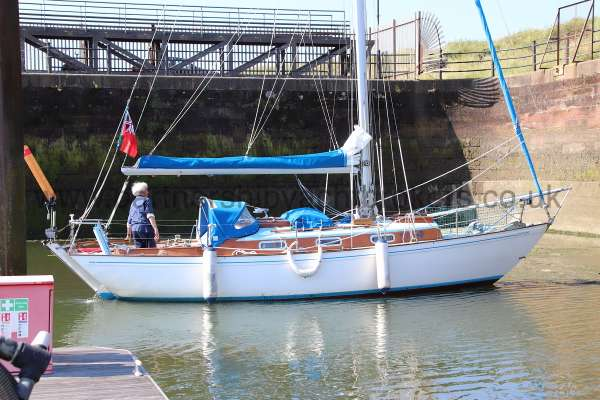 Twister 28 In the dock -