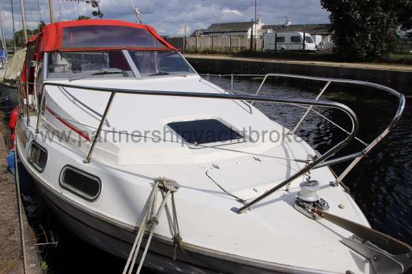 Sealine Ambassador 285 The foredeck -