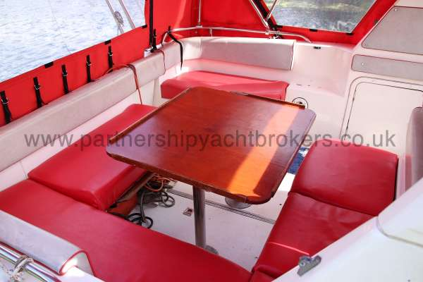 Sealine Ambassador 285 Cockpit seating and table -