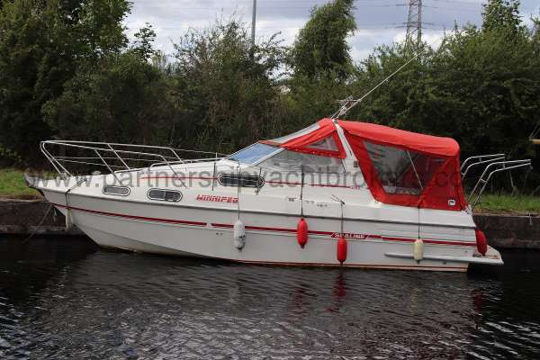 Sealine Ambassador 285 Port side -