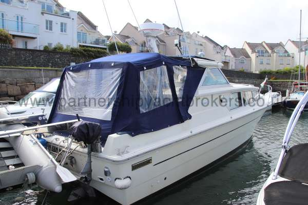 Fjord Sedan 32 Starboard quarter view -