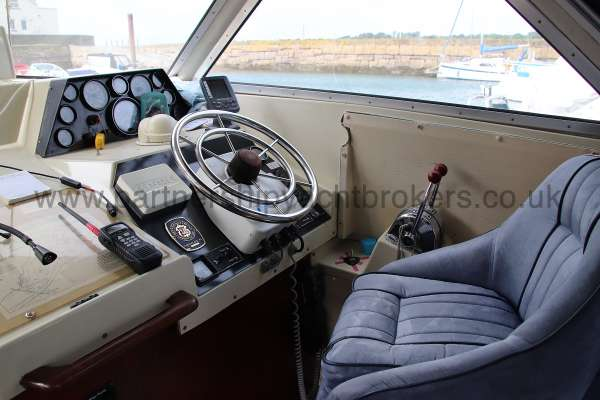 Fjord Sedan 32 Helm position -