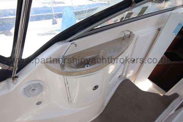 Regal 2665 Commodore Cockpit sink -