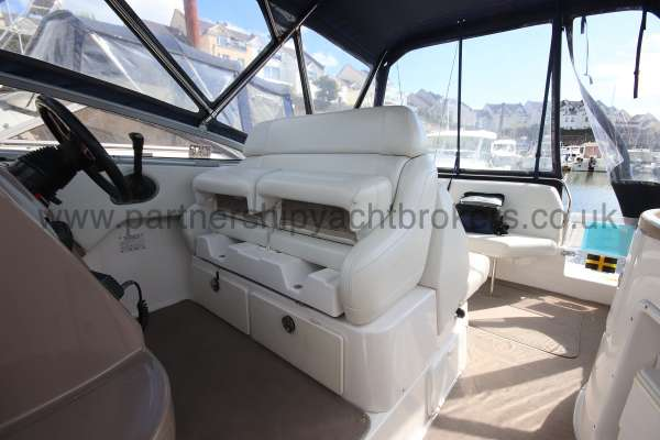 Regal 2665 Commodore Seating at thr helm -