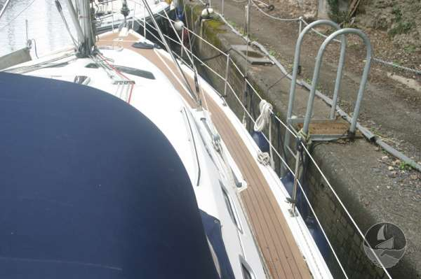 Hunter Legend 38 Starboard side deck looking forward -