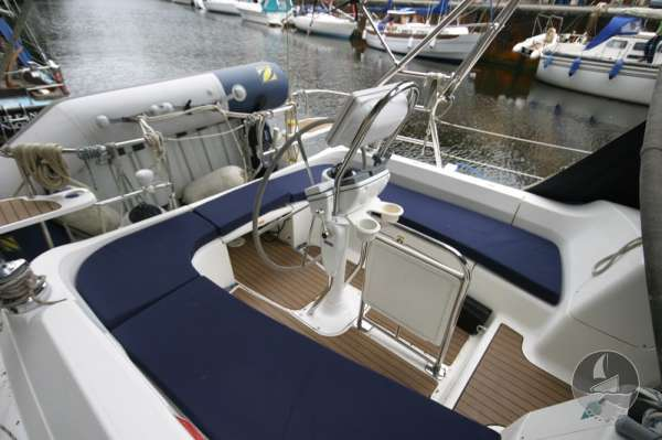 Hunter Legend 38 Cockpit cushions in place -