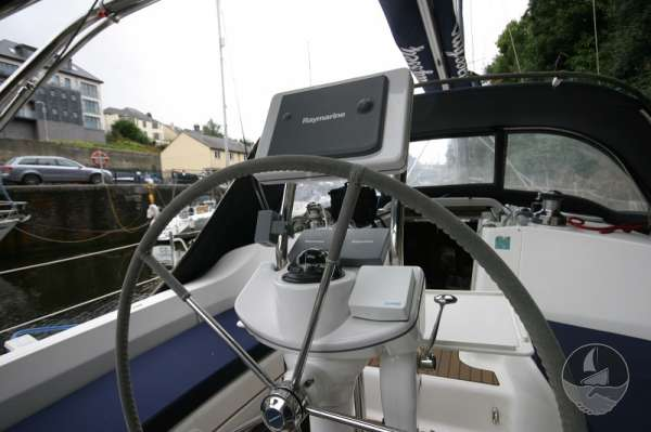 Hunter Legend 38 View from the helm -