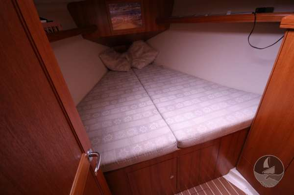 Hunter Legend 38 Fore cabin -