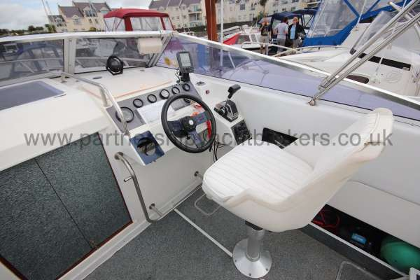 Fletcher 238 Helm seating -