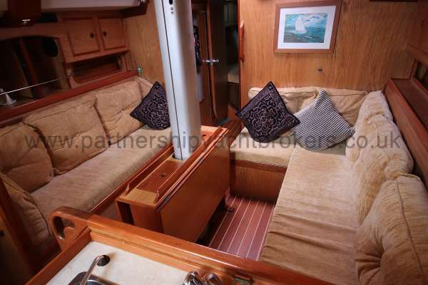 Sovereign 400 Saloon view -