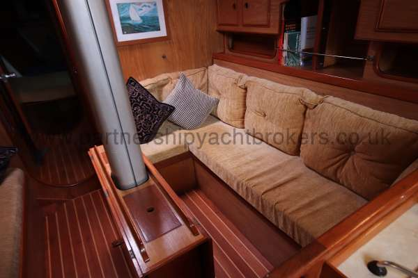 Sovereign 400 Starboard side settee -