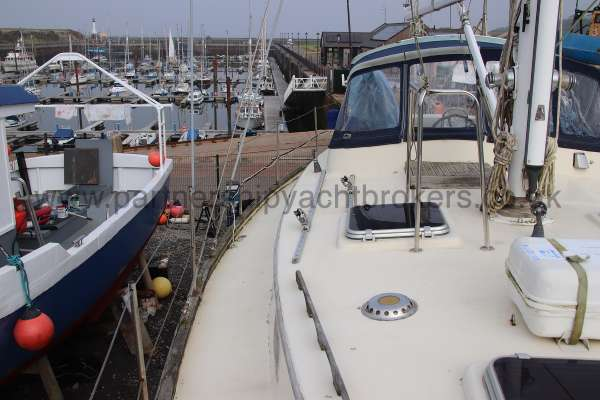 Ocean Cruising Sea Trader  41 ft Yacht Starboard side deck - From forward