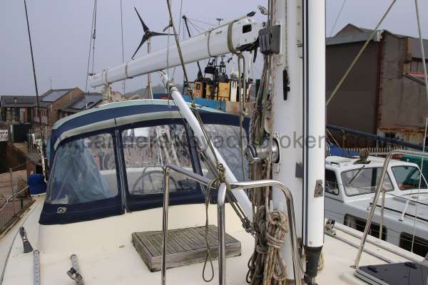 Ocean Cruising Sea Trader  41 ft Yacht Deck view - Mast detail