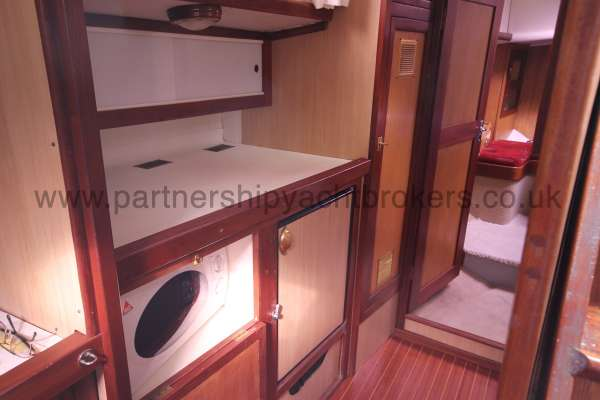 Ocean Cruising Sea Trader  41 ft Yacht The galley - Starboard element
