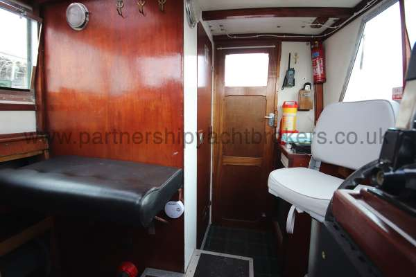 Colvic Family Fisher The wheelhouse - Seen from the saloon