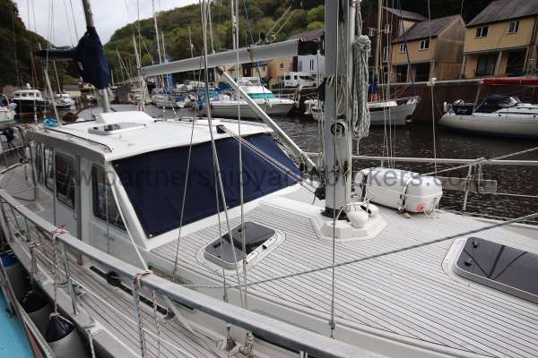 Nauticat 331 Starboard side view -