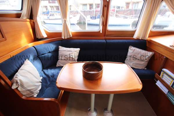 Nauticat 331 The deck saloon - Seen from starboard