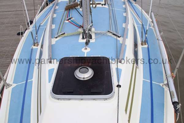 Westerly Merlin The fore hatch -