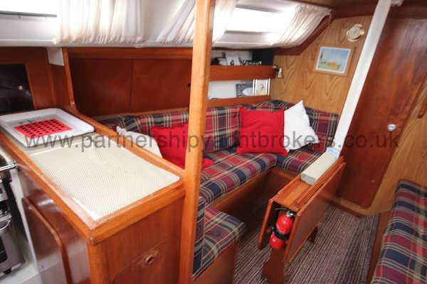 Westerly Merlin The saloon - Port side