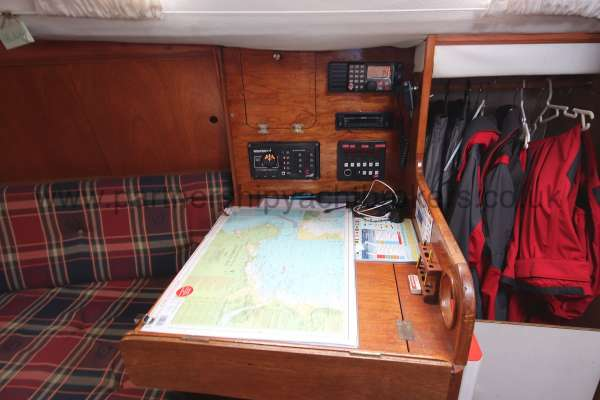 Westerly Merlin Chart table - A good size