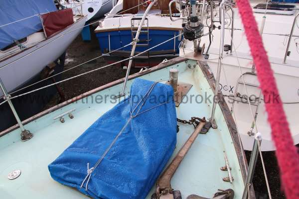 Seadog 30 Fore deck view -