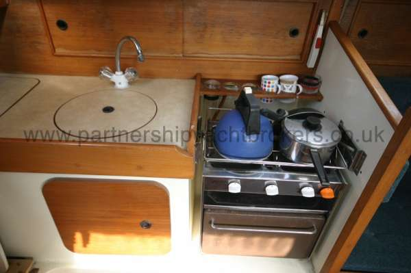 Halmatic 30 The galley -