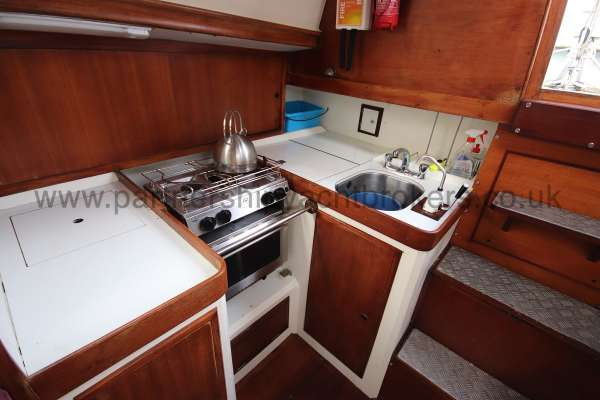 Nicholson 35 Tthe galley - Located to starboard
